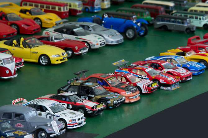 670px Model cars